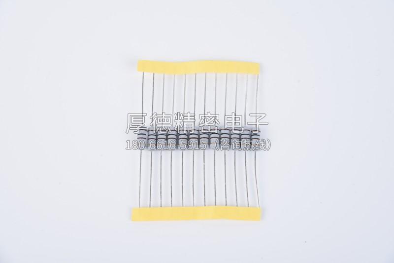 绕线型固定电阻器
